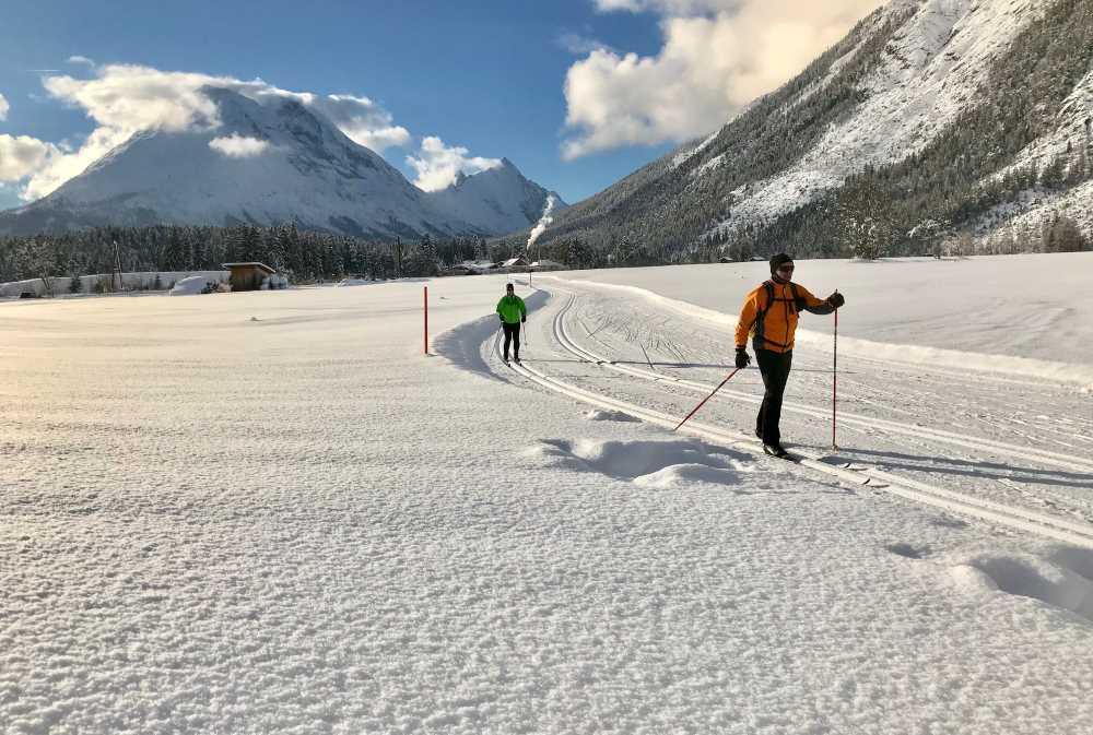 Viel Spaß mit deiner Langlauf Ausrüstung in den Karwendelloipen!