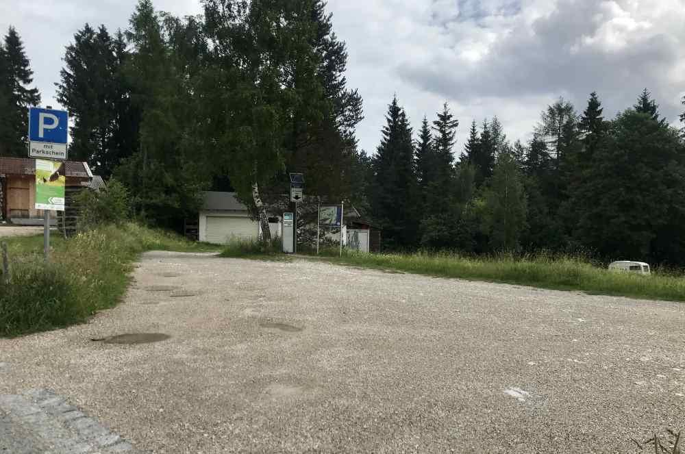 Die Einfahrt zum Luttensee Parkplatz am Kranzberg