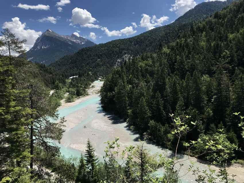 Von Seefeld in das Karwendeltal zum Karwendelhaus oder im Hinterautal zum Isarursprung mountainbiken