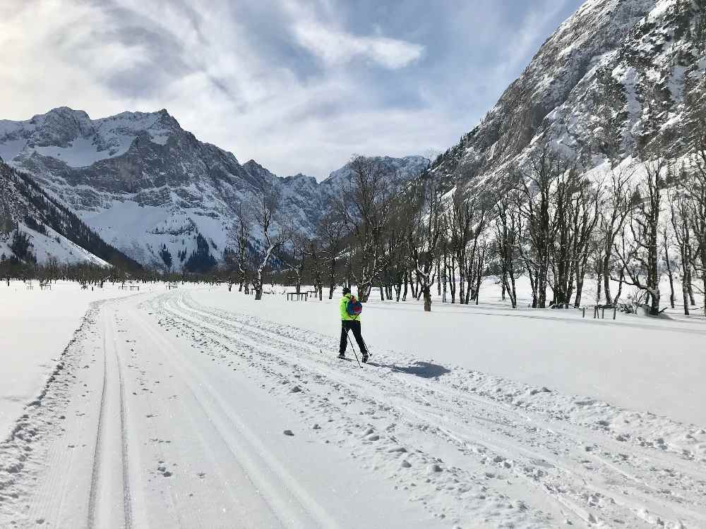 So schön kann es im März noch zum Langlaufen sein - auf der Karwendelloipe in Hinterriß