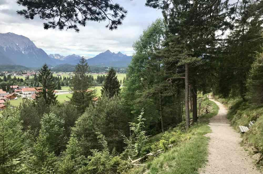 Das ist der Steig auf den Krepelschrofen - der Magdalena Neuner Panoramaweg