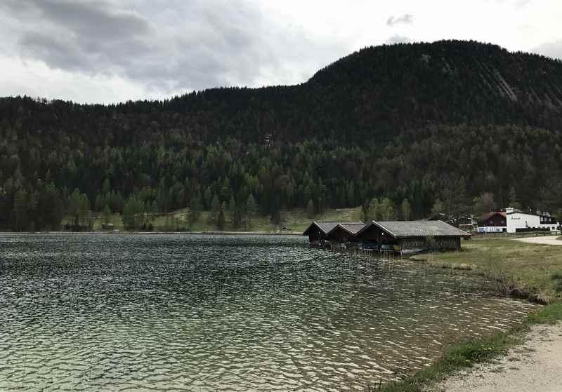 Ich war im Frühling am Lautersee, im Sommer ist das Bootfahren am See und das Baden im Strandbad sicher schön