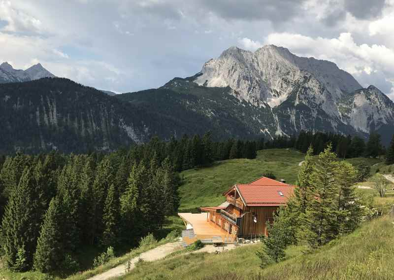 Von Mittenwald ins Wettersteingebirge - wandern oder mountainbiken