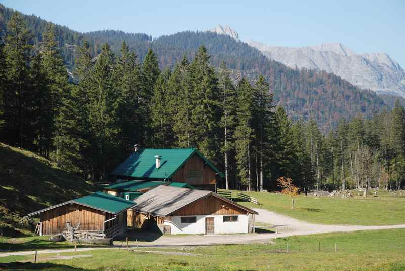 Die Möslalm im Karwendel, eine Hütte in Scharnitz im Gleirschtal