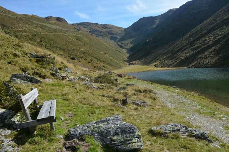 Der idyllische Nafingsee in den Tuxer Alpen