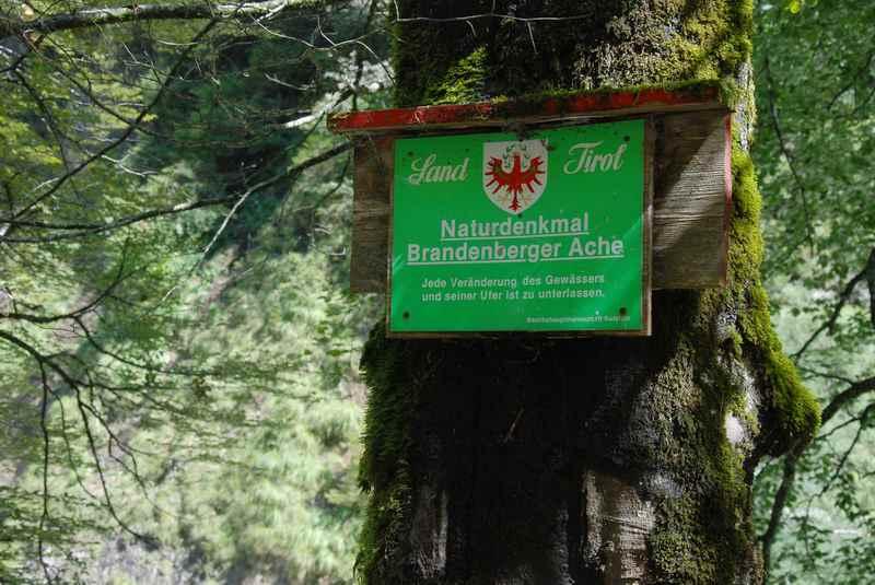 Das Naturdenkmal Brandenberger Ache hat die Tiefenbachklamm geschaffen