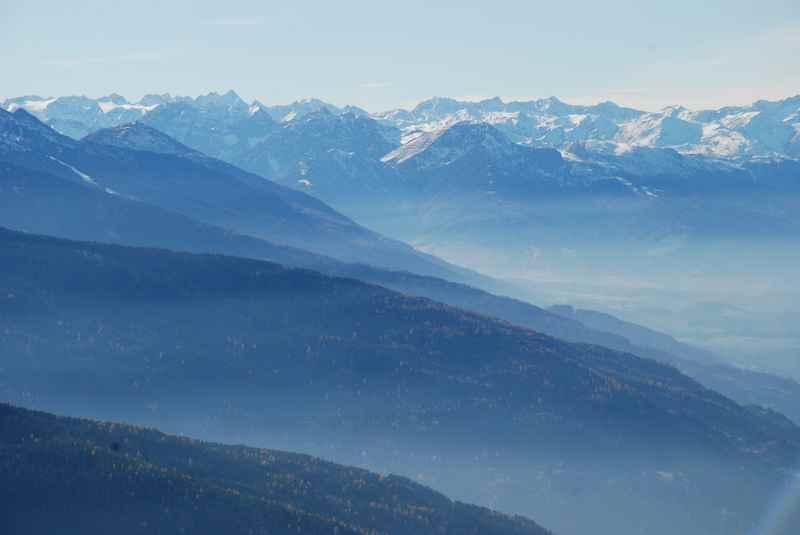 Die Naunzalm Wanderung in den Tuxer Alpen - Traumblick bis in die Stubaier