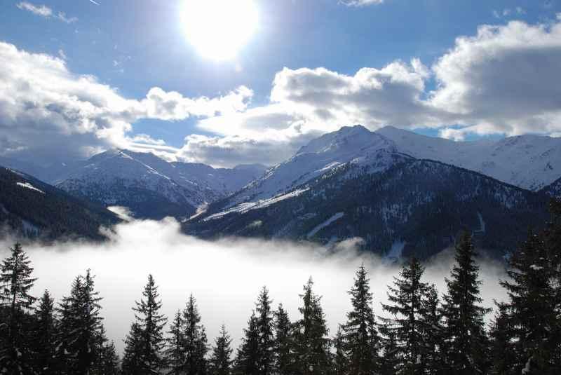 Unten die Wolken, oben die Sonne - eine tolle Schneeschuhwanderung in Weerberg