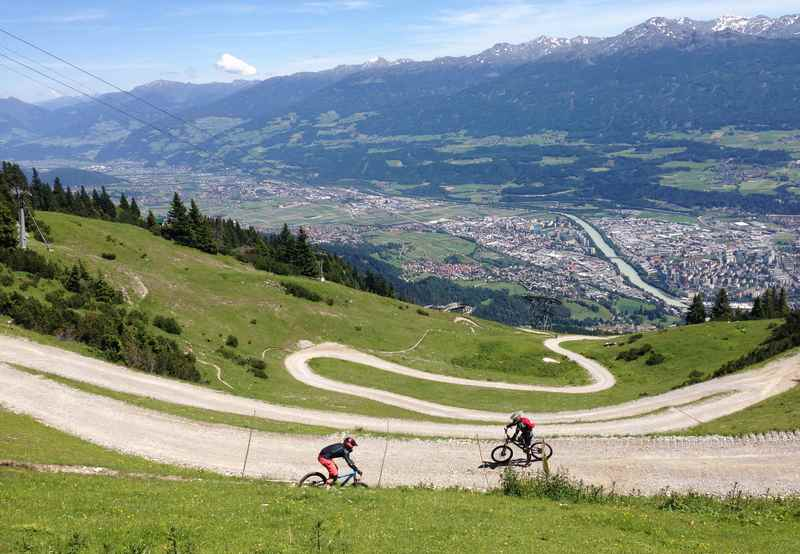 Auf der Nordkette mountainbiken in Innsbruck, im Karwendel - Downhill Trail