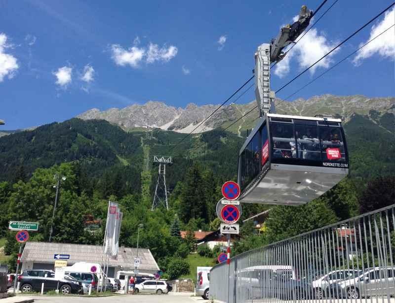 Der zweite Teil der Nordkettenbahn, der Innsbruck Bergbahn: Die Seegrubenbahn zur Seegrube auf der Nordkette im Karwendel