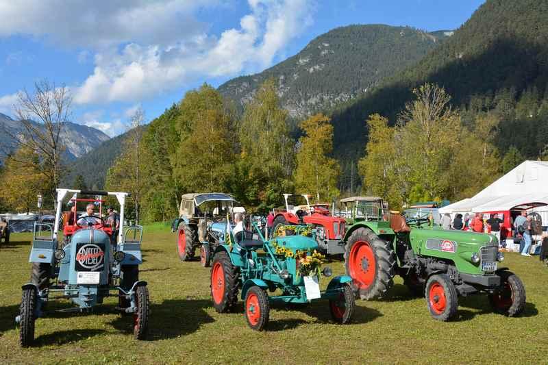 Anlaß für einen Oktober Urlaub im Karwendel: Das Traktortreffen am Achensee