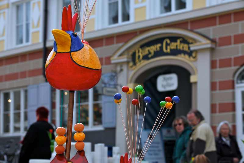 Verschiedene Geschenke rund um Ostern und den Frühling gibt es am Ostermarkt in Bad Tölz; Foto: Archiv der Tourist-Info Bad Tölz, Wilbert