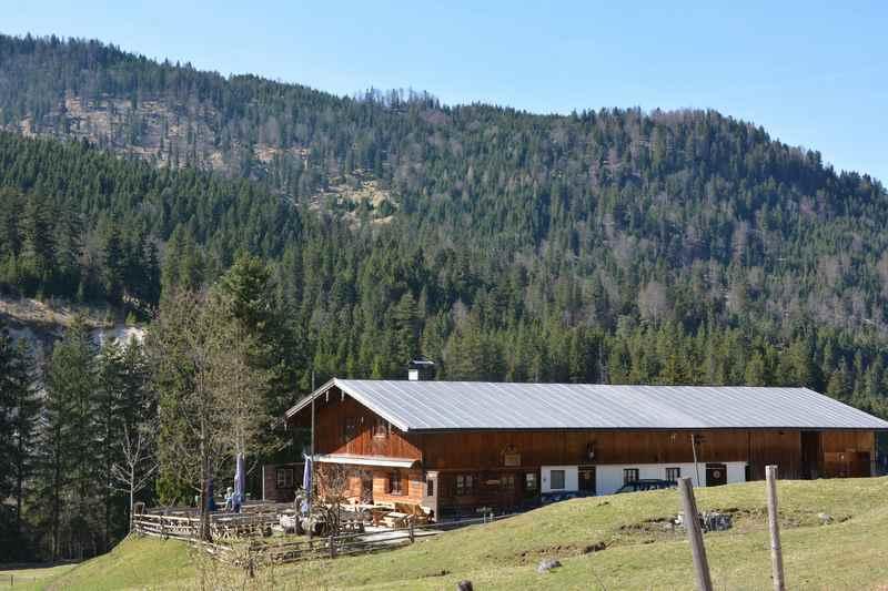Das ist die Oswaldhütte zwischen Vorderriß und Hinterriß im Karwendel