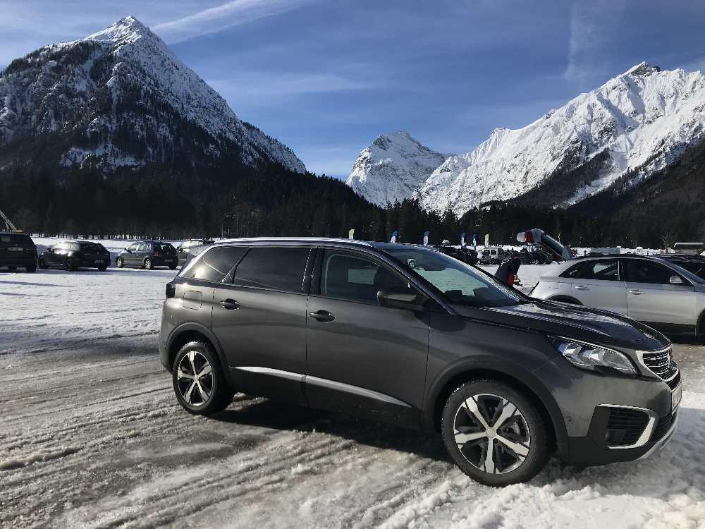 Parkplatz an der Loipe zum Langlaufen am Achensee in die Karwendeltäler