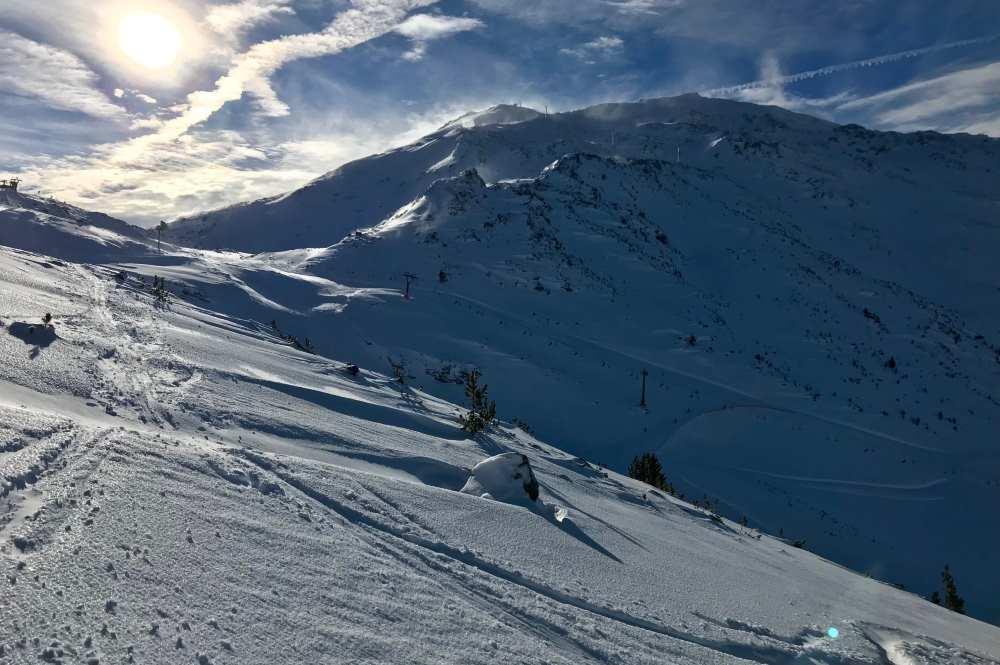 Glungezer Skitour: Der Wind ist so stark, er bläst die Spuren im Schnee weg