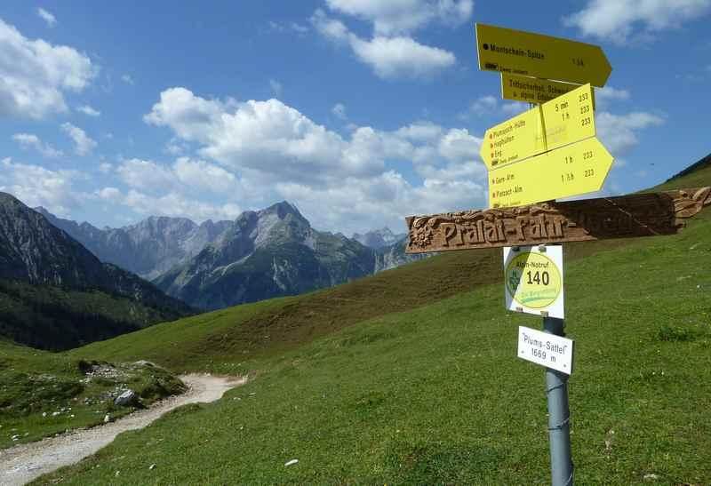 Das Plumsjoch, 1669m. Der Sattel zwischen dem Rißtal mit dem Ahornboden und dem Achensee im Karwendel
