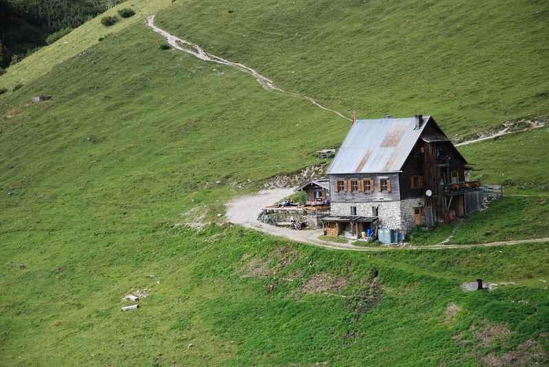 MTB Plumsjoch: Die Plumsjochhütte ist gut zum Mountainbiken im Karwendel