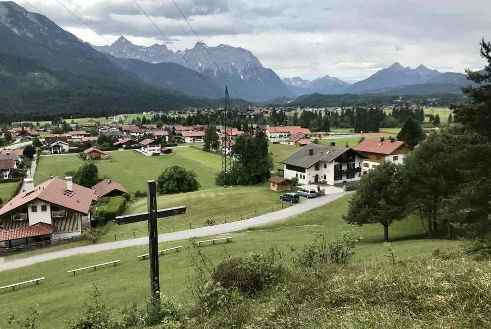 Auf der Puit in Wallgau wandern - mit Karwendelblick in Bayern