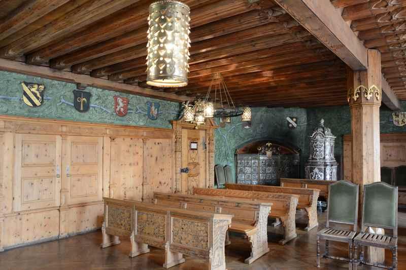 So schaut der Rathaussaal von ihnen aus, ein schöner Ort zum Heiraten in Tirol