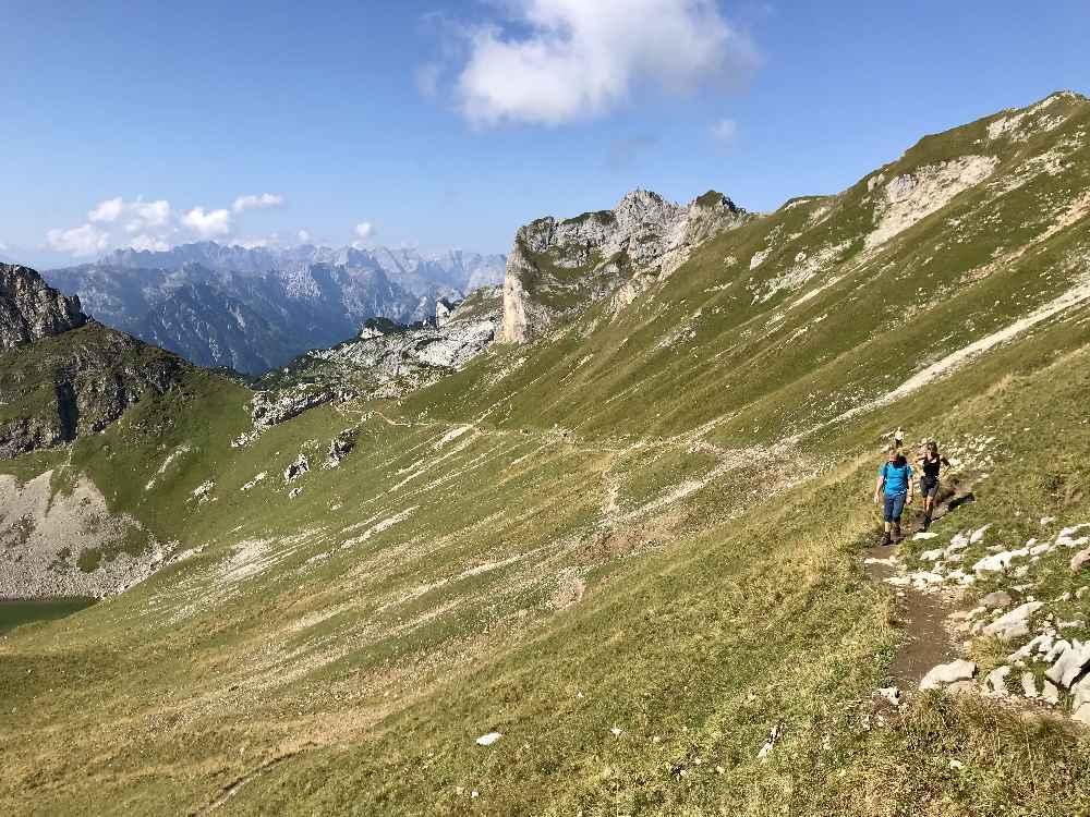 Und das ist der Aufstieg auf die Rofanspitze - hinten das Karwendel!