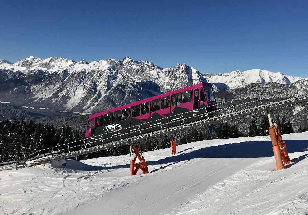 Das ist die Standseilbahn von Seefeld auf die Rosshütte ins Skigebiet