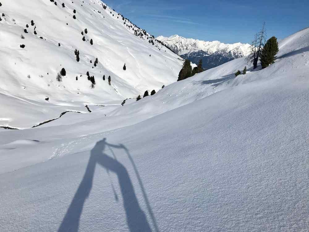 Aufstieg aus dem Nurpenstal mit Blick zum Karwendel