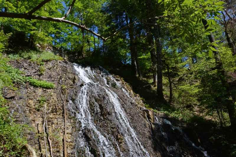 Der erste Wasserfall beim Rottachfall am Tegernsee in Enterrottach