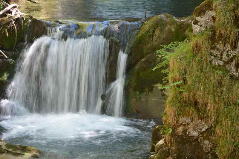 Tegernsee wandern. Ein Teil des Wasserfalles am Tegernsee: Der Rottachfall in Rottach-Egern