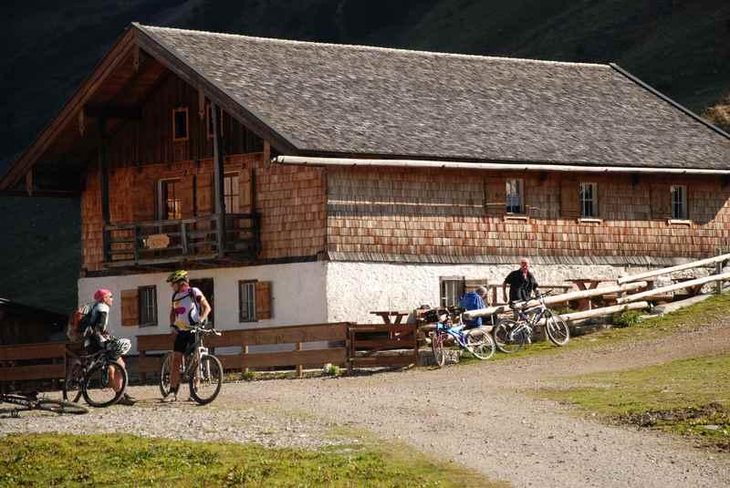 Die Rotwandalm in Achenkirch, wunderbar zum Mountainbiken im Karwendel