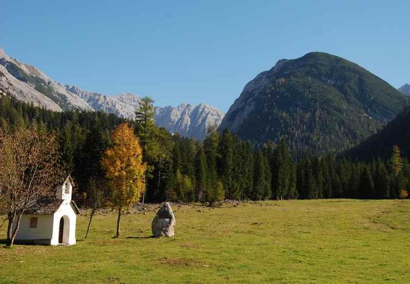 Die Kapelle bei der Möslalm im Karwendelgebirge, Tirol