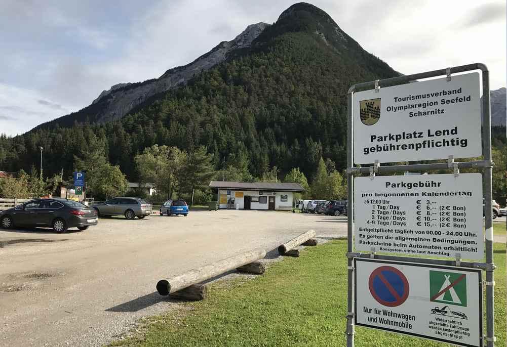 Der offizielle Scharnitz Parkplatz in der Lend