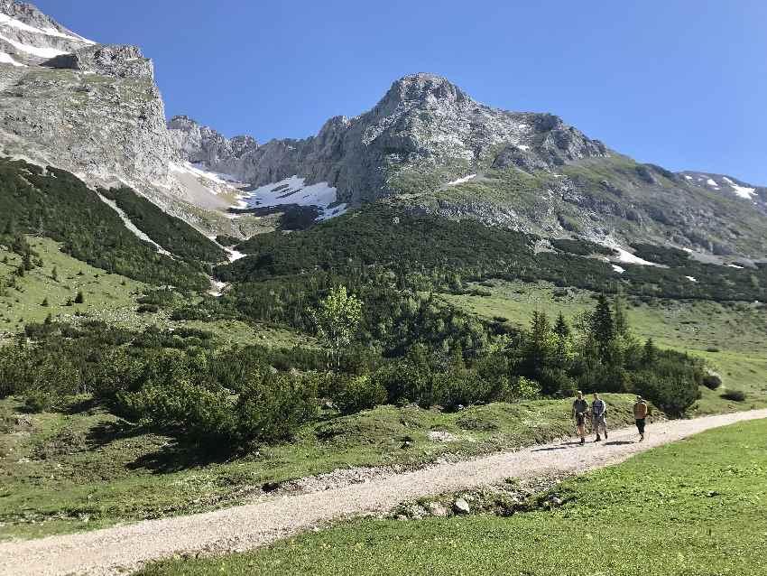 Die bekannte Scharnitz Wanderung zum Karwendelhaus