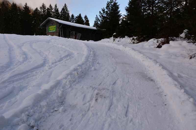 Das letzte steile Stück am Mühlberg - danach nach Scharnitz rodeln