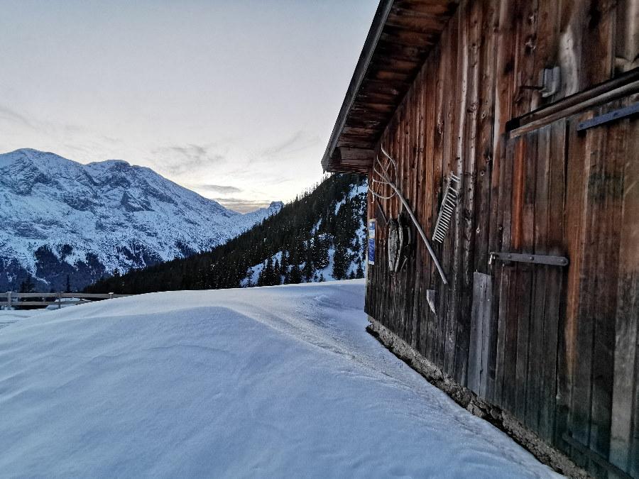 Die Schneewanderung: Mehrtägige Hüttentour im Winter