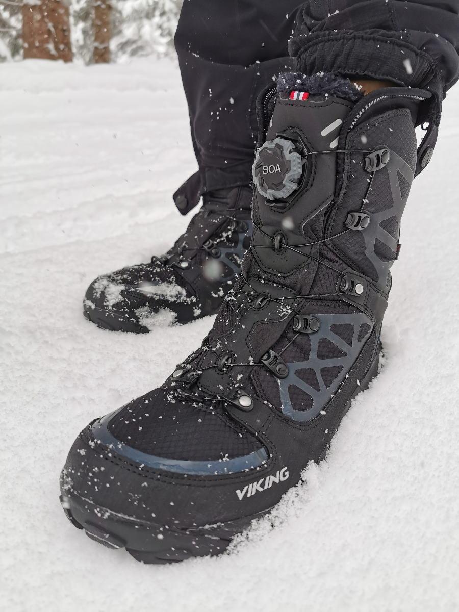 Schuhe für Schneeschuhe: Das sind gute Winterschuhe zum Schneeschuhwandern - wir nehmen die Viking Constrictor III seit Jahren
