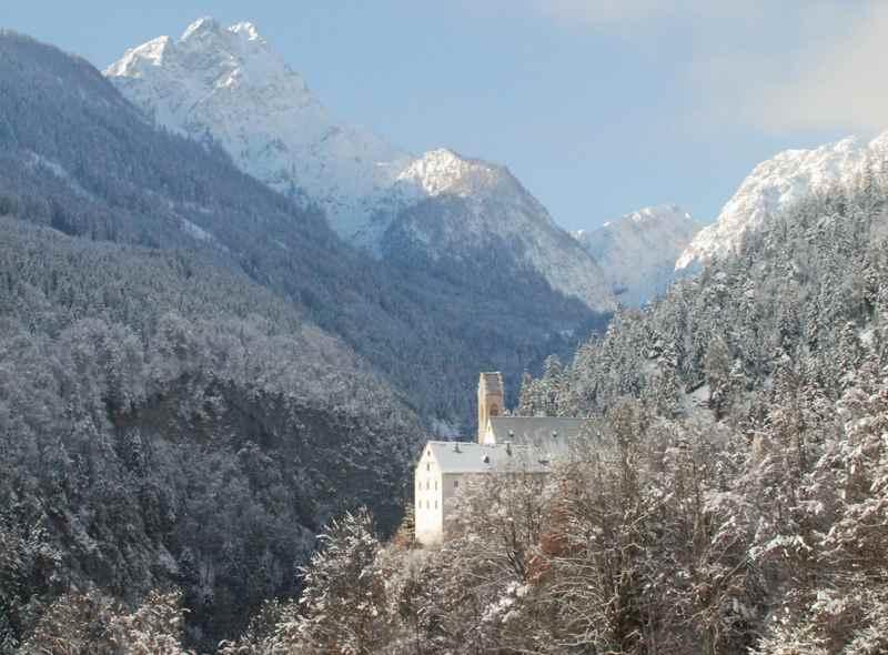 In Schwaz winterwandern nach St. Georgenberg im Karwendel bei Stans