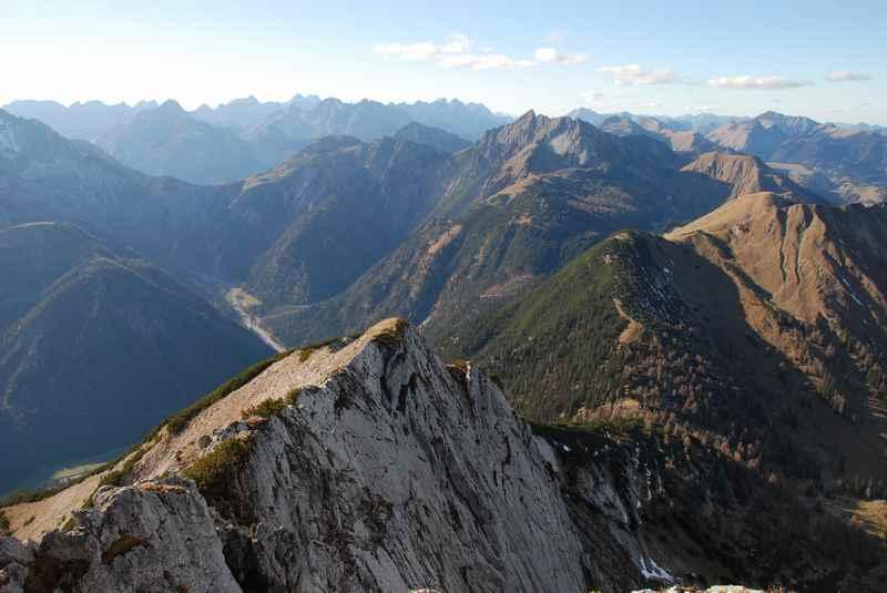 Und das ist der Blick von der Seebergspitze auf das Karwendel