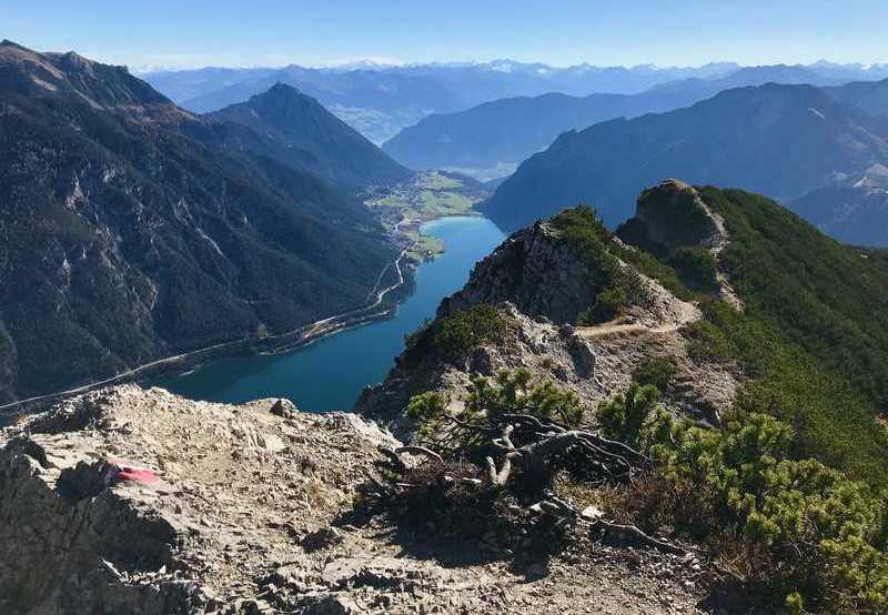 Schon vom Wanderweg auf den Gipfel freue ich mich an der Traumsicht!