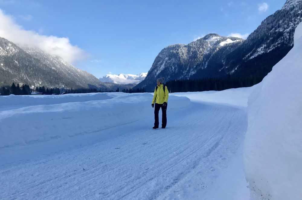 Winterweitwandern Seefeld: Das Hochtal wird breiter und damit der Blick über die Winterlandschaft
