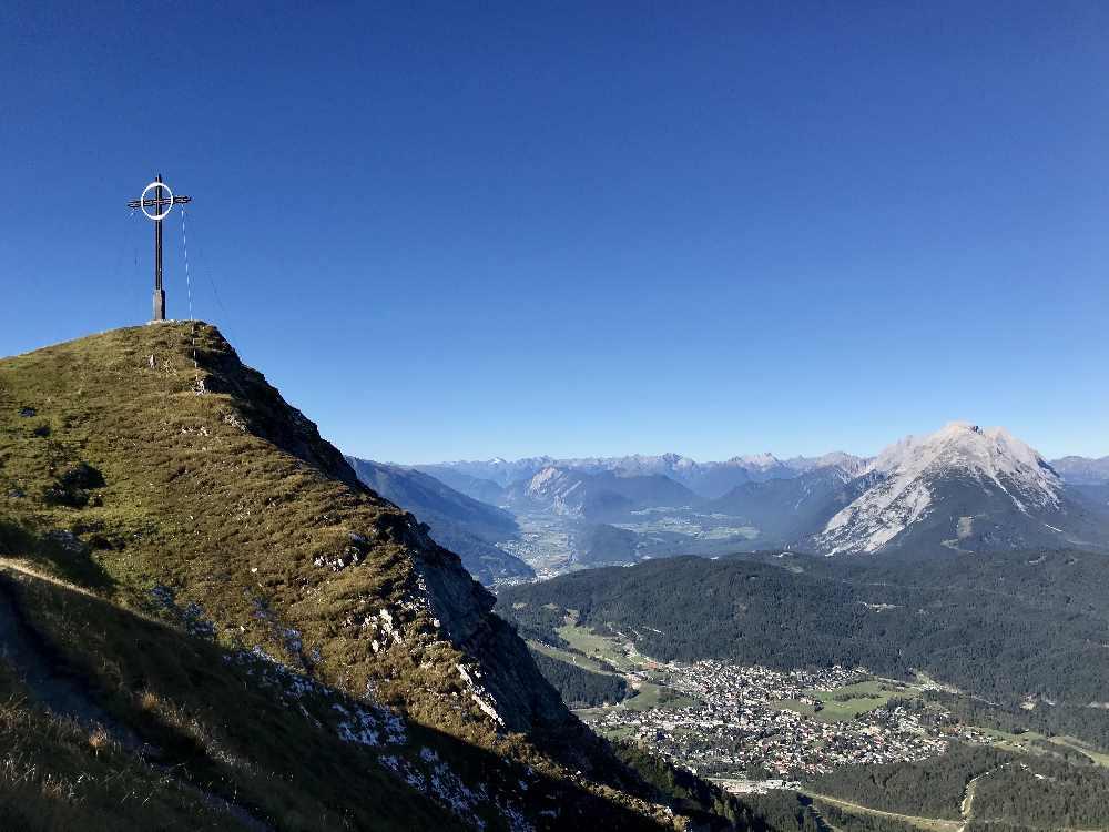 Das ist das Gipfelkreuz der Seefelder Spitze
