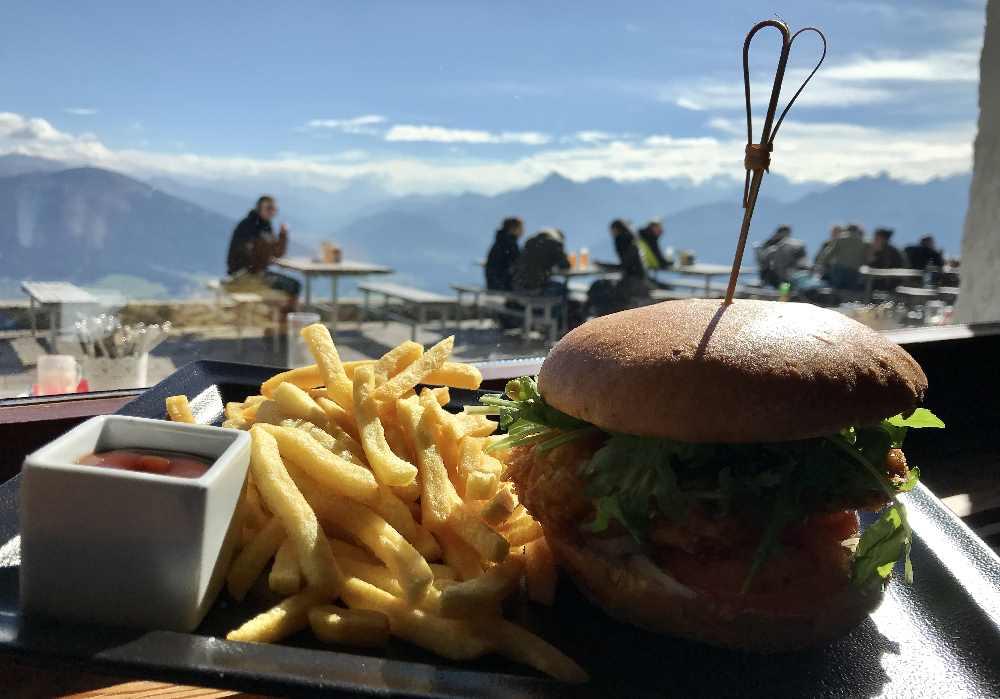 Der Burger in den Bergen vom Karwendelgebirge