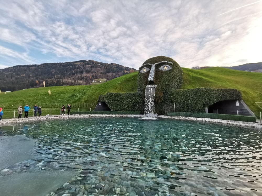 Hall in Tirol Sehenswürdigkeiten: Die weltbekannten Swarovski Kristallwelten