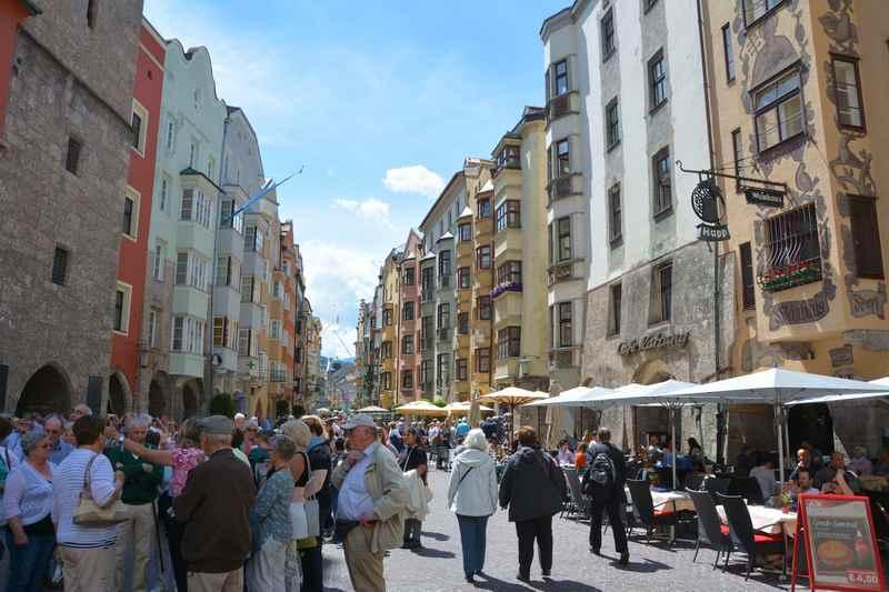 Sehenswürdigkeiten Innsbruck: Die Altstadt Innsbruck zählt zu den schönsten Sightseeing Orten in Tirol