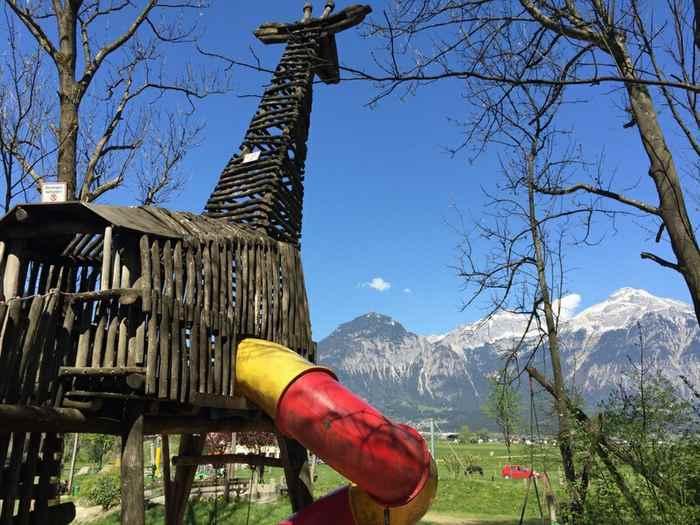 Badesee Zillertal und Spielplatz Zillertal - der Schlitter See bietet beides! Daher sehr beliebt.