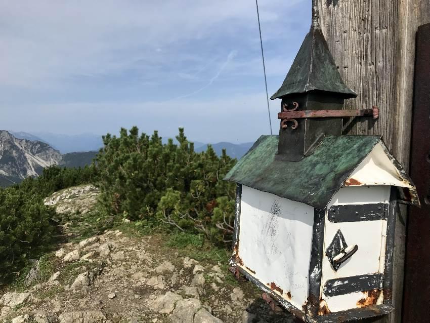 Einmalig: In der Kirche ist das Gipfelbuch!