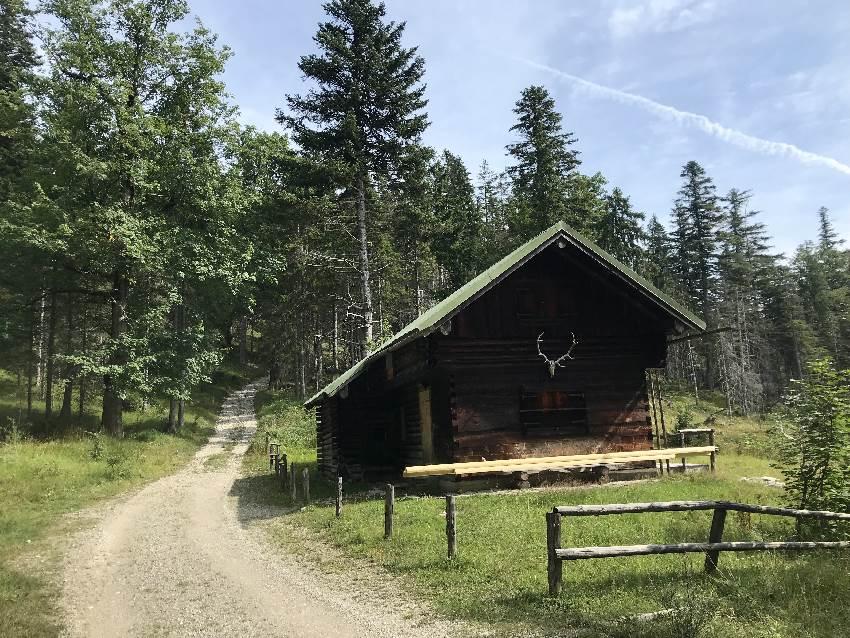 Hier endet für mich der Aufstieg mit dem Mountainbike - die Tyrolerhütte am Simetsberg