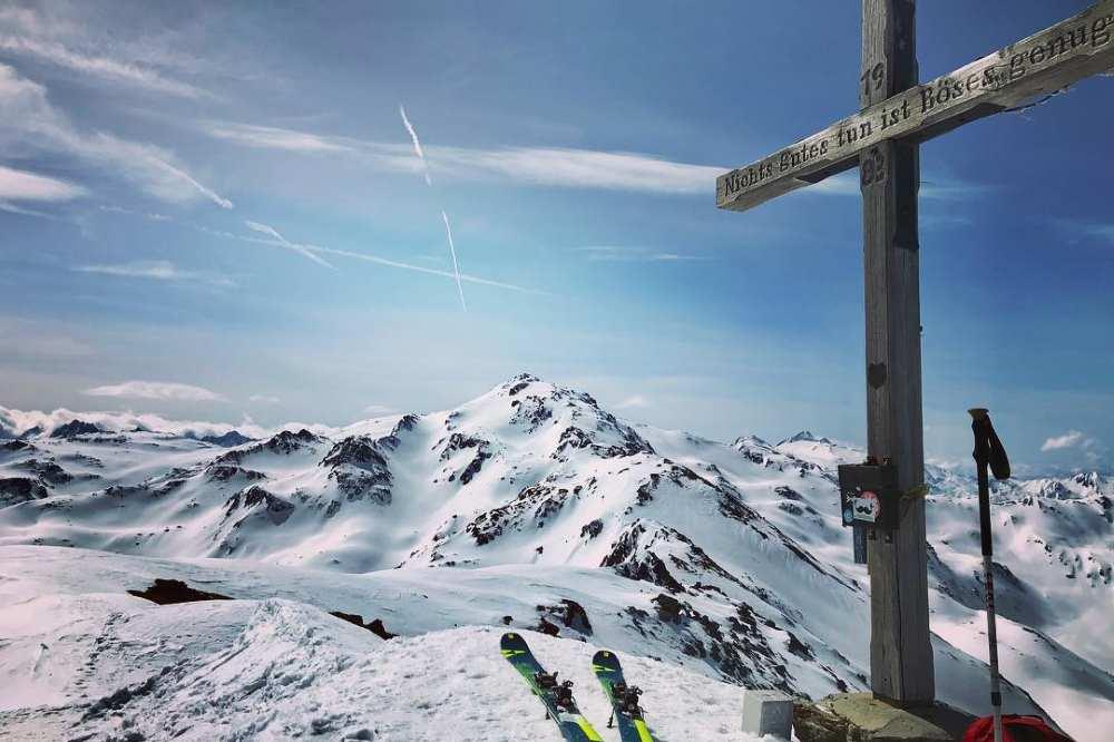 Skiurlaub im Karwendel mit viel Ruhe und Natur - Ein Skitouren Urlaub macht´s möglich!