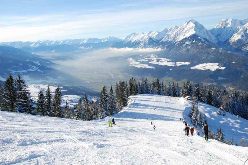 Pistenskitour mit Ausblick - ein besonderer Wintergenuß