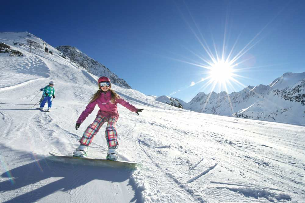Zum Skifahren nach Innsbruck? Diese Skigebiete locken für einen Skiurlaub, Foto: Innsbruck Tourismus / Edi Groeger
