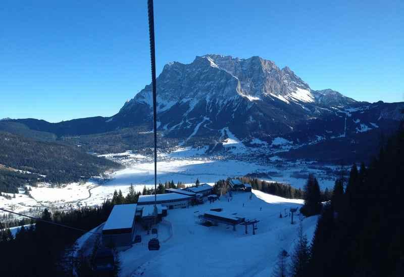 Skifahren im Wettersteingebirge - bekanntestes Skiegbiet ist die Zugspitze im Wetterstein